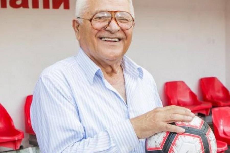Milan Živadinović: Ženu ne treba zatvoriti u kuhinju ili od nje napraviti kućnu pomoćnicu