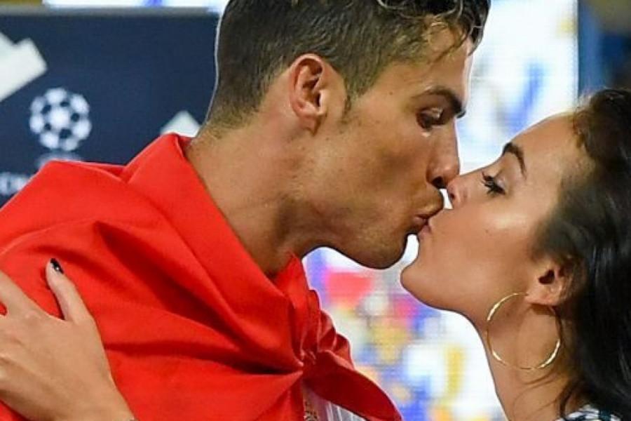 Ronaldo ponosan na verenicu: Kako je Heorhina Rodrigez unovčila zanosne obline (foto)