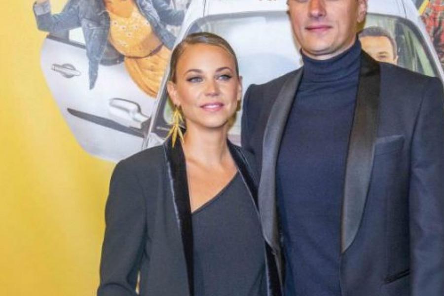 """Smehom kroz život: Ovacije za Andriju Miloševića i romantičnu komediju """"Taksi bluz"""" u Sava centru"""