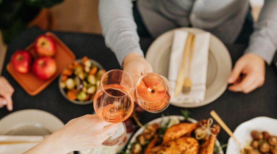 Tokom praznika treba biti umeren sa jelom i pićem, a evo i zašto