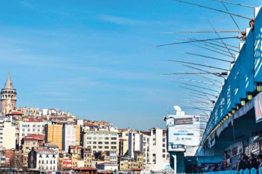 Voditeljka Marija Egelja posetila je jedini grad na svetu koji se prostire na dva kontinenta! (foto)