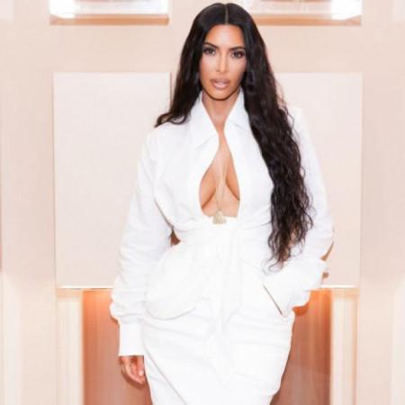 Potrošila je milione kako bi izgledala kao Kim Kardašijan: Sve što vidim na njoj i ja želim da nosim! (foto)