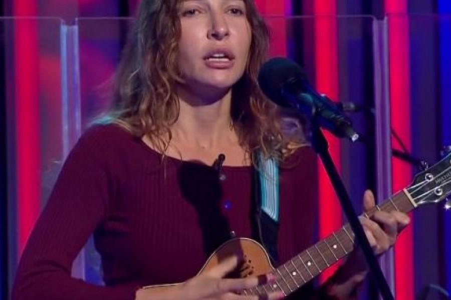 Jelena Petošević je srpski jezik naučila sa 20 godina, a sada je obeležila početak popularne serije 'Močvara'! (video)
