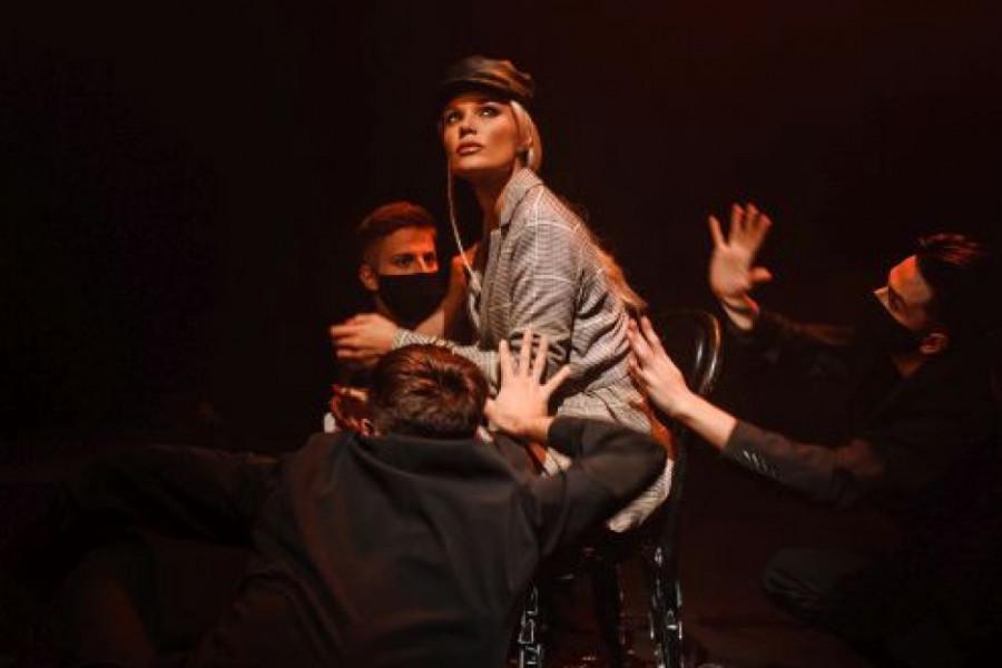 Lena Kovačević oduševila je javnost obradom velikog hita grupe 'Đogani': Svi su se šokirali, popadali su u nesvest!