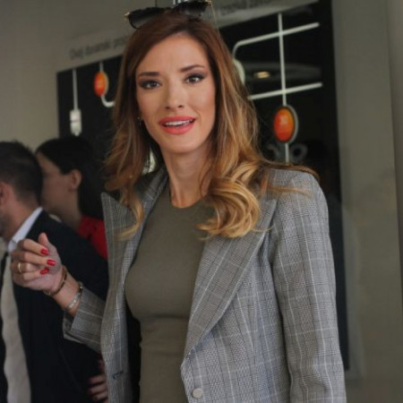 Novo lice TV Prve: Ko je voditeljka koja će zameniti Jovanu Joksimović? (foto/video)