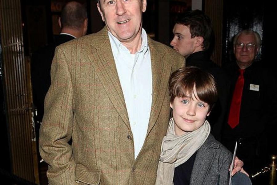 Velika tragedija, zvezda serije 'Mućke' utučena - Nikolasa Lindhersta gubitak sina potpuno je slomio!
