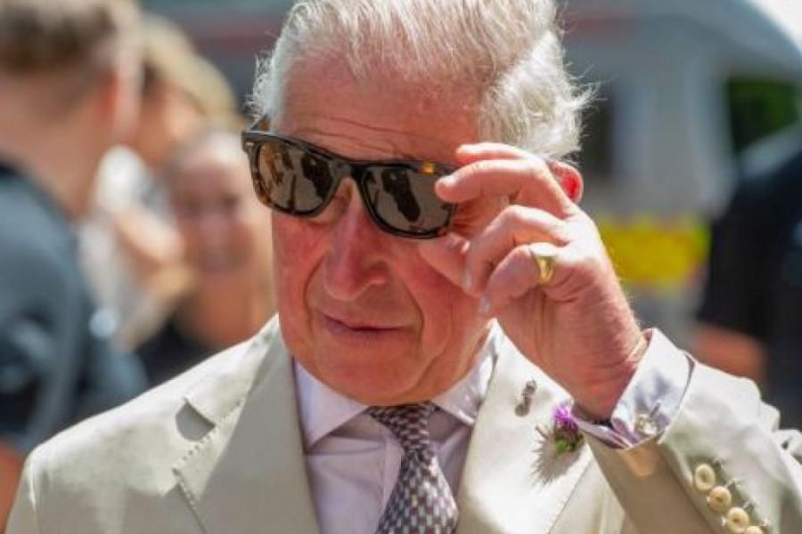 Skandalozno - princ Čarls se u pabu udvarao 27-godišnjoj devojci?