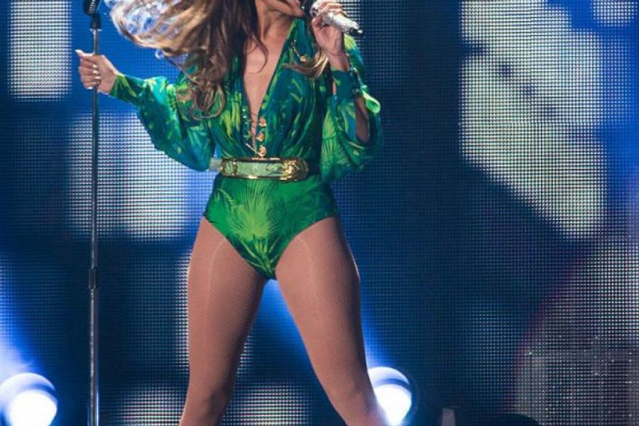 Legendarna haljina pop dive - Dženifer Lopez i modna kuća Versaće ispisali su istoriju! (foto/video)