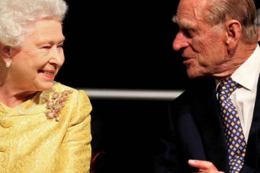 Ni moćna kraljica Elizabeta II nije bila pošteđena bola - burna prošlost princa Filipa, prevario je kraljicu?
