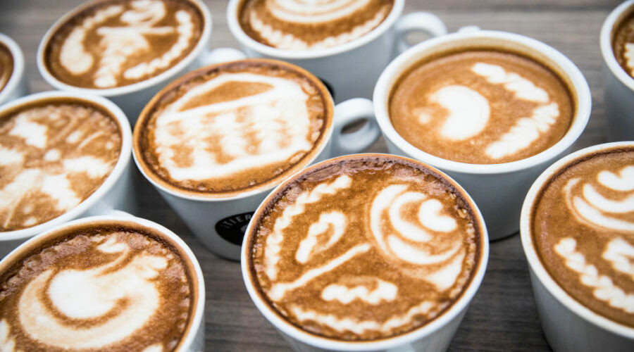 Ledena kafa za vrele letnje dane, sa vanilom, sladoledom ili šlagom