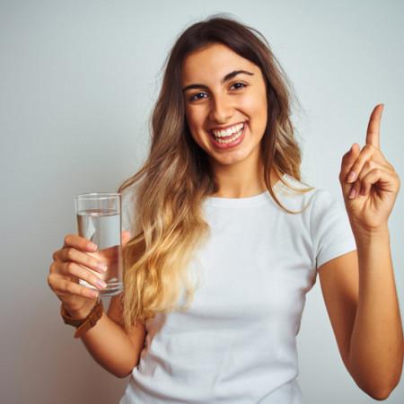 Tabela otkriva - Koliko je dovoljno piti vode za lakše mršavljenje?