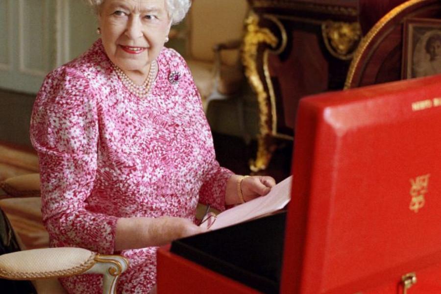 Ko će naslediti tron?: Zdravlje kraljice Elizabete pod znakom pitanja