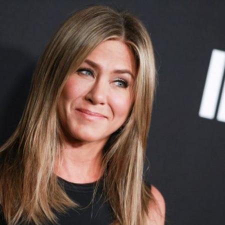 Dženifer Aniston postaće majka u šestoj deceniji života?