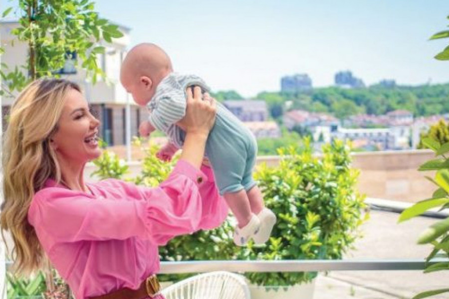 Ekskluzivno za Gloriju: Ines Janković prvi put pokazala bebu (foto)