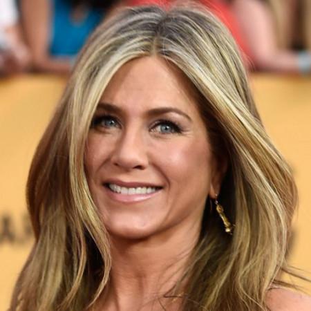 Razotkrivena: Da li je Dženifer Aniston lažirala brak?