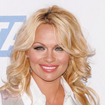 Pamela Anderson objavila prelepe vesti - Jedan detalj 'ukrao' svu pažnju! (foto)