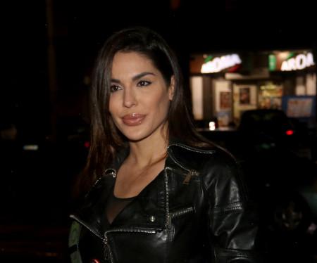 Usamljena lepotica: Marina Visković sama vuče koferčinu (Foto)