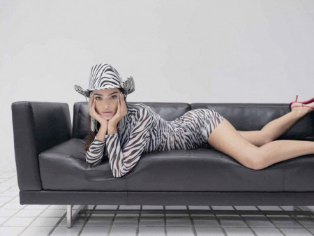 Emili Ratajkovski novom fotografijom oduševila svetsku javnost: Moj život! (foto)
