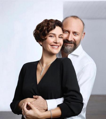 O razvodu ni govora - Berguzar Korel sa suprugom potvrdila prelepe vesti!
