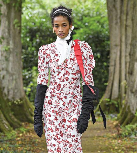 Magnolija u vašem ormaru: Floralni printovi hit ovog proleća!
