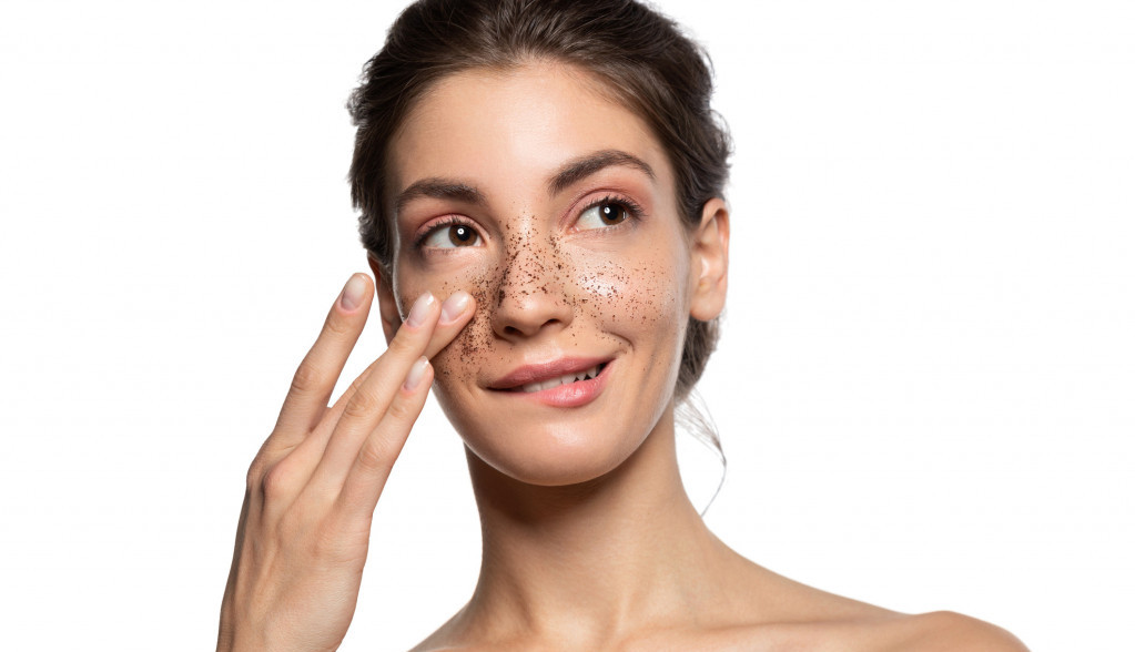 OVO SVI MOŽEMO KOD KUĆE: Kafa za blistavu kožu lica
