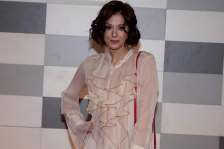 Milena Radulović je uvek konzervativno obučena: Sada je vreme da upoznate njene divne noge