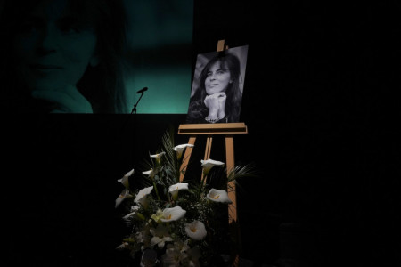 Potresne scene na komemoraciji: Ne postoji poslednji film Mire Furlan