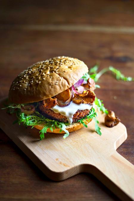 Daje mnogo snage, a ne goji - savršen recept za burger sa pečurkama
