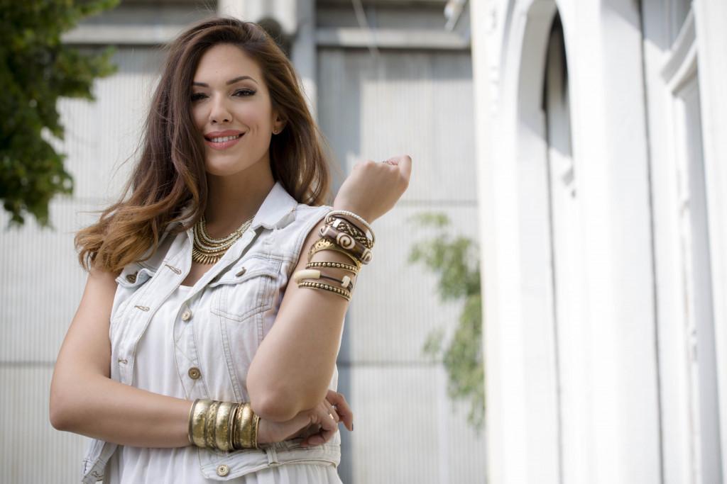 Nina Radulović na parteru: Da li kičmi prija ono što radi (Foto)