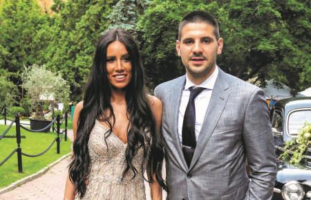 Stavljaju im u usta: Kakvu su uslugu dobili srpski fudbalski as i njegova supruga