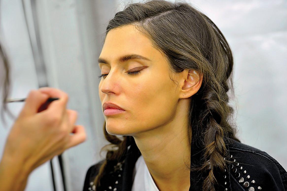 Savršena koža: Evo koju šminku je okej nositi i leti!