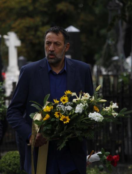 I divovi plaču: Vlade Divac neutešan na sahrani Dude Ivkovića