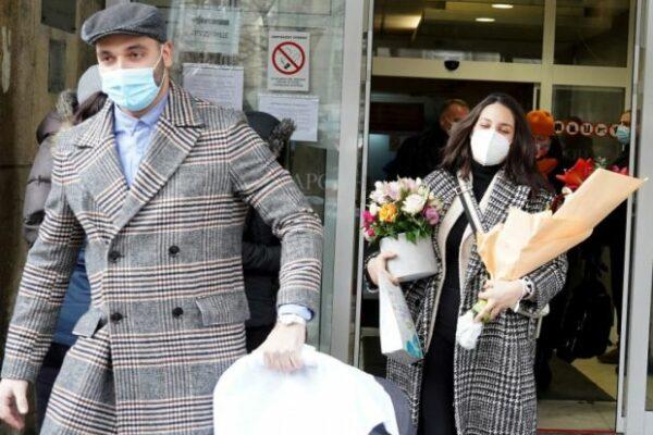 Marina Ćosić izašla iz porodilišta